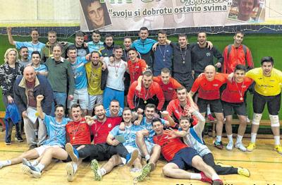 """Seniori i veterani obilježili prvi vikend malonogometnog turnira """"Tin Grgurić"""""""