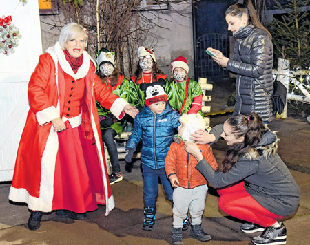 Otvoreno Selo Bake Mraz, podsjetnik da dolazi Božić